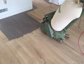 Eiken Vloer Schuren : Schuren en afwerken profloor vloeren