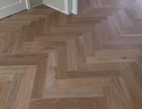 Visgraat vloeren profloor vloeren